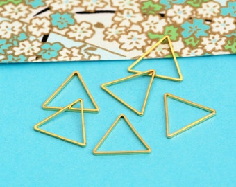 10 pieces Triangle Pendants Golden Finding Charm (BN411B)