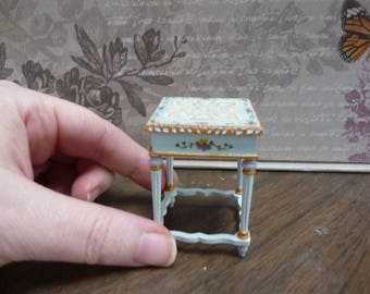 Exquisite 1:12 Inch Miniature Pansies Side Table