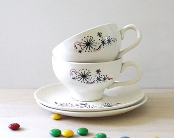 Fireworks. Mid century modern cup and saucers, 1950s made in USA.