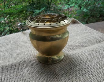 Vintage Brass Flower Frog Rustic Centerpiece Brass Vase Wedding Decor Table Settings French Country Farmhouse Potpourri Bowl