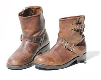 Vintage Men's Brown Leather Slip On Ankle Boots / size 8