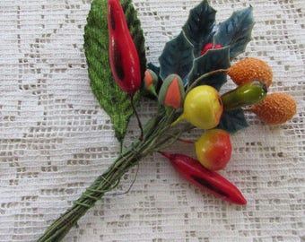 Vintage Spun Cotton And Lacquered Holly Clusters Millinery Fruit  #B