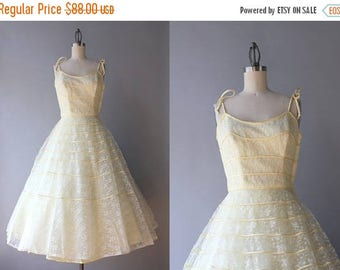 STOREWIDE SALE Vintage 50s Dress / 1950s Lace Party Dress / 50s Yellow and White Lace Full Skirt Formal Prom Dress xxs