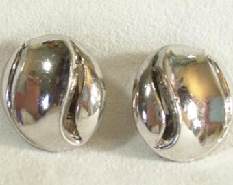 Vintage 1970s CROWN TRIFARI Silver Plate Swirl Button Style Clip Earrings