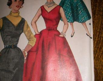 Gorgeous vintage 50s c. 1955 DRESS pattern full or straight skirt XS S 31 bust