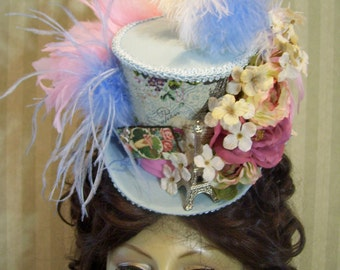 "Kentucky Derby Mini Top Hat, ""Eifel ToweR"", PaRiSiaN, Alice in Wonderland Mini Mad Hatter top Hat, Cosplay, Tea Party Hat, Steampunk Hat"