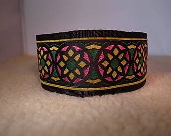 "2"" Wide Funky Circle Flower House/Martingale Collar"