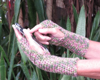 Arm Warmers / Fingerless Gloves / Free US Shipping / Bootsandbelle