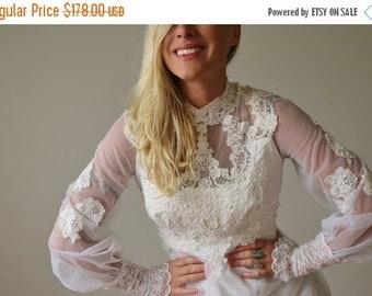ON SALE 1970s Scallop Chiffon Wedding Dress >>> Extra Small to Small