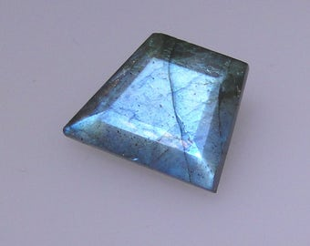 Faceted Labradorite, abstract trapezoid shape, great blue color flash, 10.82 carats                               043-09-007