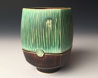 Square Yunomi - Dark Green and Gloss Brown
