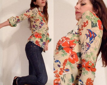 70's Colorful Printed Retro Blouse // Pointed Collar // Aquatic Print // Floral Print // Womens Small