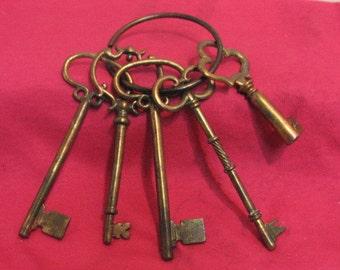 Vintage Set of 5 Skeleton Keys Giant Garden Keys Copper Color Door Lock Key