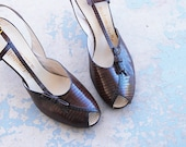 vintage 40s High Heels - Strappy Brown Lizard Skin Sandals 1940s Peep Toe Shoes Sz 10 41