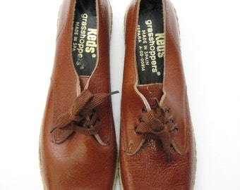 Vintage Late 1960s early 70s Chestnut Brown Patent Leather Keds Grasshopper Flats  Made in Spain