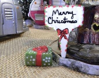 Merry Christmas Sign   - Garden sign plant marker - Terrarium sign  ceramic all glazed Fairy Garden decor