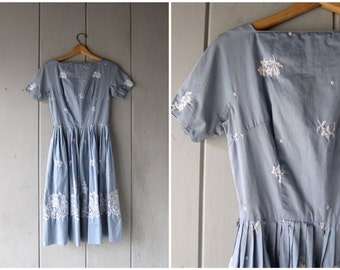 Blue 1950s Dress Short Sleeve Day Dress 50s Cotton EMBROIDERED Floral Dress Midi Dress Garden Party Dress Vintage Louannes Womens