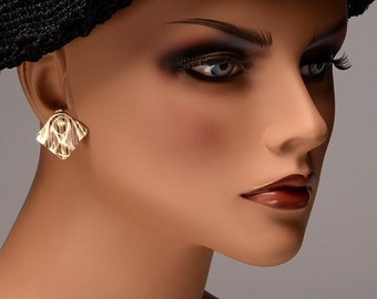 Tested 14kt (surface tinted) tri-color gold earrings:  slim, lightweight, pierced,comfortable, 1960's, ribbon wave surface