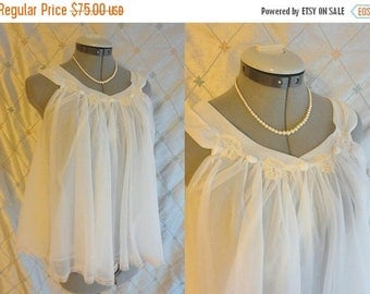 VINTAGE SALE 60s Lingerie // Vintage 1960s White Chiffon Shortie Nightie with Oodles of Chiffon by Jenelle of California Size S
