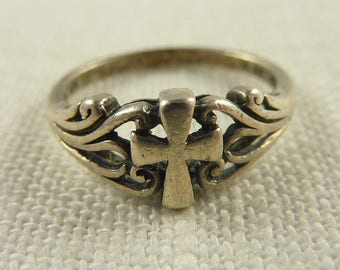 Size 6.75 Vintage Sterling  Cross Ring