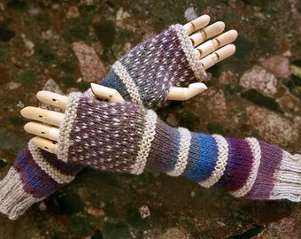 Wildling Knits Pair of Hand Knit Arm Warmers in Blue and Purple Gradient
