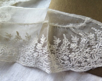 Antique Tambour Lace Collar/Embroidered Tulle Collar with Stand