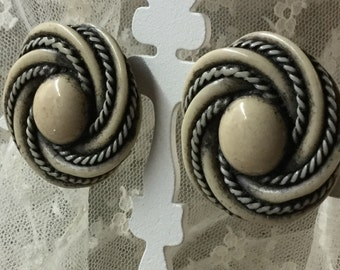 Large Celluloid Cream and Black Whirlpool Tornado Style Clip On Earrings Unsigned Goldtone Setting