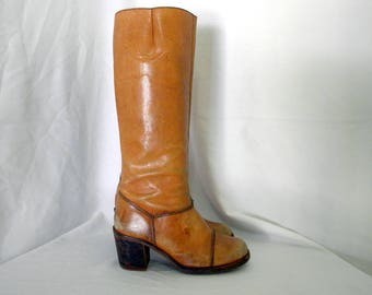 Sz 8.5B Vintage Tall brown leather 1970s BoHo stack heel zip up Women campus boots.