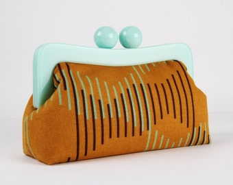 Resin frame clutch bag - Step in ochre brown - Awesome purse / Mint green frame / Japanese fabric / brown and light blue stripes