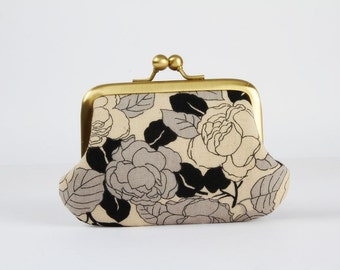 Metal frame purse with two sections - Black roses - Siamese daddy / Japanese fabric / Two pockets / gray pink off white / flowers