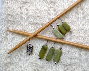 Knitting Stitch Markers - snag free loop markers - New Jade Serpentine green gemstones and silver celtic bead - set of 7 - two loop sizes