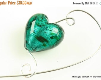 Closing shop Teal Glass Heart Shawl Pin, Scarf Pin - Fashion Accessory, Knitting Accessory, For Knitters, Jewelry Brooches