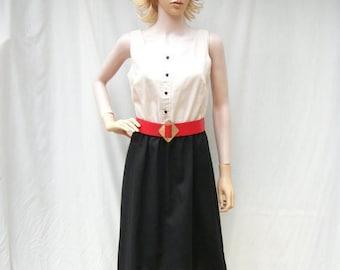 ON SALE 80s Sleeveless Dress size Small Medium/ Black Ivory Sundress