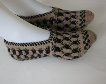 Ready to ship, Handmade Knit Women Socks, Slippers / Winter socks, slippers, Handmade warm Winter accessories, Autumn Accessories