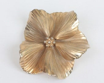 Ruffled Petal Floral Brooch Gold Tone Signed Giovanni Vintage