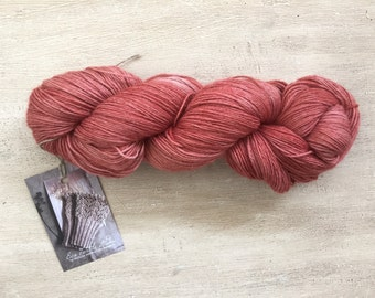 Hand dyed baby alpaca yarn / Yarn dyed with madder / Lace yarn for knitting and crochetting / Plant dyed madder yarn / Naturally dyed yarn