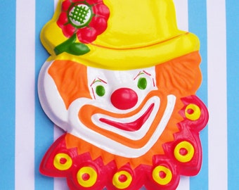 "Clown Plaque Pop on, E-Z Tops 4"""