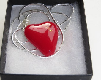 Red heart glass necklace