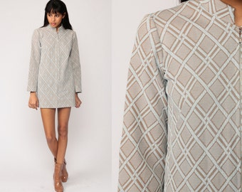 Geometric Dress Mod 60s Mini Lattice Print Gogo Hippie 1960s Shift Taupe High Neck Vintage Long Sleeve Front Zip Minidress Extra Small xs