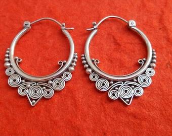 Balinese Silver sterling Hoop Earrings / silver 925 / Bali handmade granulation technique / (#573em)