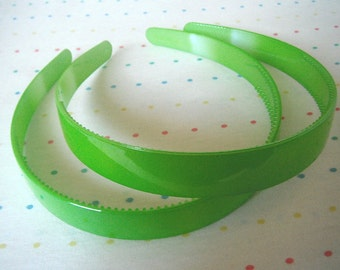 "Wide Lime Green Pair of Plastic Headbands, 3/4"" Wide"