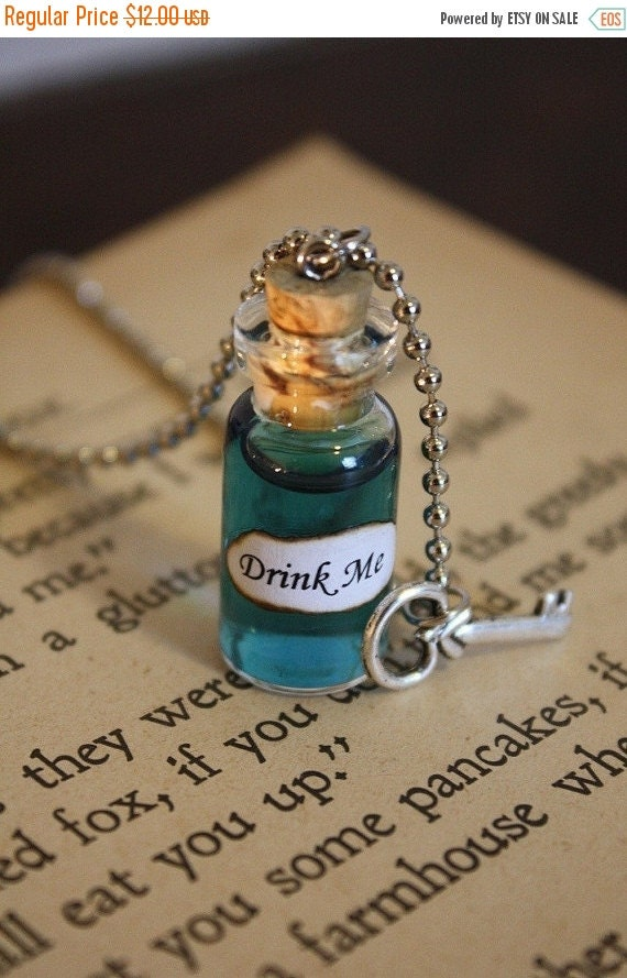 SALE Alice in Wonderland Drink Me Vial Necklace - Drink Me Necklace - Alice Costume - Halloween Jewelry