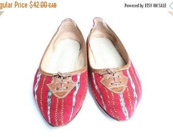 ON SALE Pointed Toe Flats, Ballerina Flats, Flat Shoes 7, Woven Fabric Shoes, Ikat Kilim, 70s Slip On Loafers Flats 37, US 6.5, 7, Preppy Sh