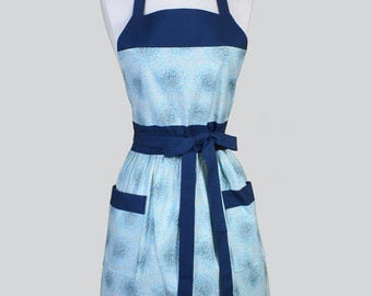 Classic Womens Apron , Blue Floral Vintage Style Retro Kitchen Chef Apron with Pockets with Pockets