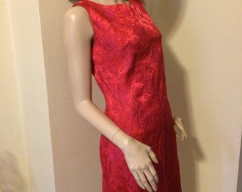 Vintage 60s cherry Red Silk brocade sparkle Hollywood wiggle dress Size medium