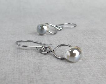 Gunmetal Gray Dangle Earrings, Lampwork Earrings Gray Glass, Dark Silver Gray Earrings, Infinity Wire Earrings, Oxidized Sterling Silver
