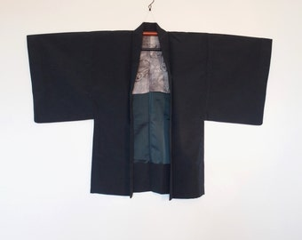 Haori Kimono Cardigan For Men With Dark Blue With Daruma Doll Inner Lining 二