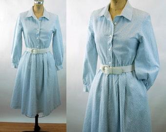 1980s shirtdress blue white striped ticking cotton oxford cloth full skirt Size S/M