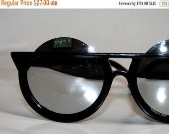 Round Cateye Sunglasses Odd Chic Unique