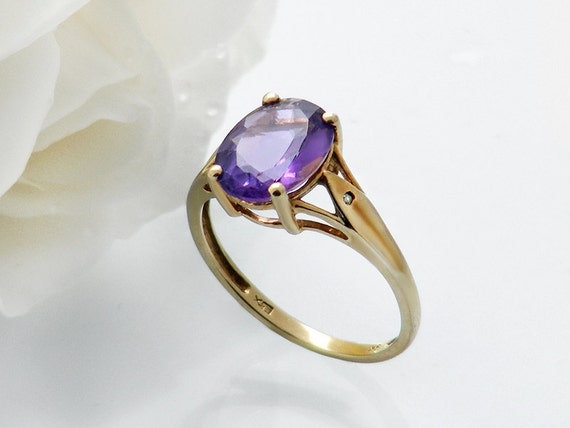 Vintage Amethyst Ring | Large Oval Gemstone 9ct Gold Vintage Amethyst & Diamond Ring | February Birthstone - US Ring Size 7, UK Ring Size O